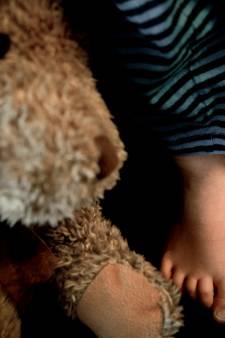 Moeder mishandelt zoon (10) met snoer: 'Ik was boos toen hij mijn andere kind liet vallen'