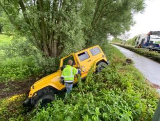Terreinwagen duikt talud naar beneden aan Scheldekant in Eine