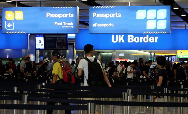 Grenscontroles op de luchthaven van Heathrow.