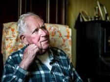 Marc (77) moest bankpas doorknippen, daarna plunderden criminelen zijn rekening
