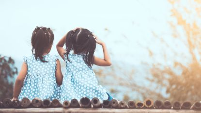 Limburgse tweelingzusjes Tess en Lily kunnen nu toch naar dezelfde school