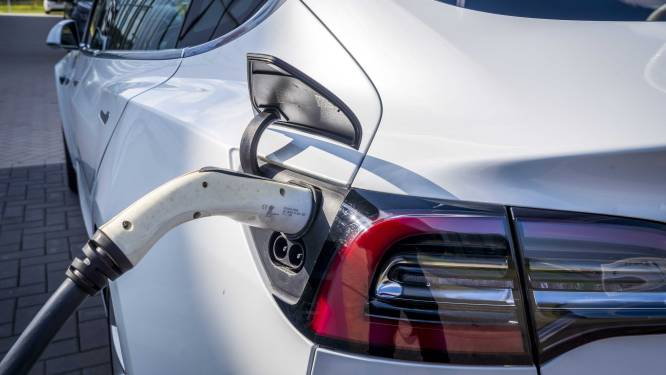 Voor het eerst meer dan één op de vijf nieuwe wagens elektrisch of hybride