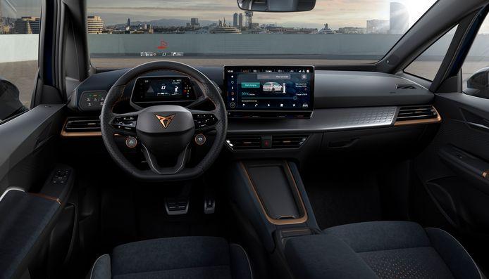 Fraaier en warmer aangekleed dan de Volkswagen ID.3, maar op sommige punten is het interieur van de Cupra Born net zo onhandig