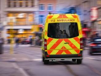 Jongeman (17) in levensgevaar na messteek in Antwerpen Noord