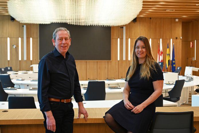 Fractievoorzitters Frans van Aarle (LT) en Linda Oerlemans (ONS).