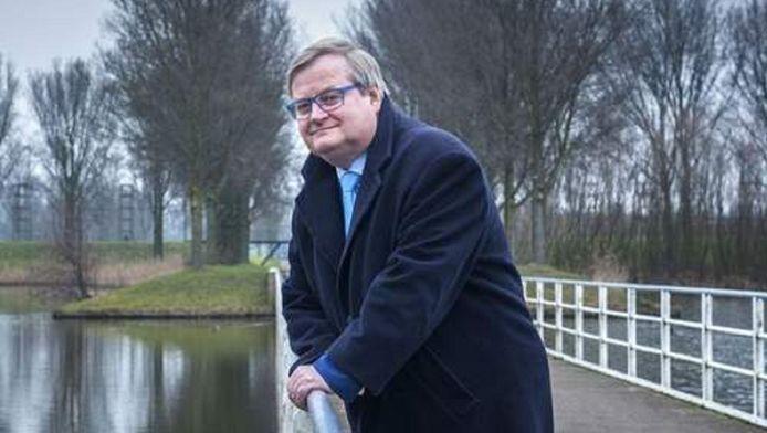 Oud-minister Hilbrand Nawijn is tegenwoordig fractievoorzitter van de Lijst Hilbrand Nawijn in de gemeenteraad van Zoetermeer.