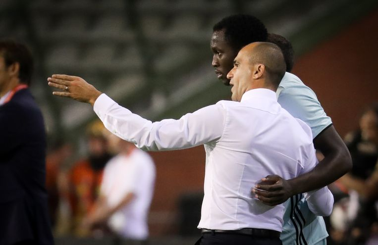 Belgium's head coach Roberto Martinez and Belgium's Romelu Lukaku pictured during a friendly match between Belgian national soccer team Red Devils and Spain, on Thursday 01 September 2016, in Brussels. BELGA PHOTO VIRGINIE LEFOUR Beeld null