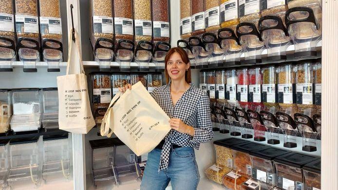Caroline Van Gils (29) opent de plasticvrije winkel OMLOOP in Oud-Turnhout.