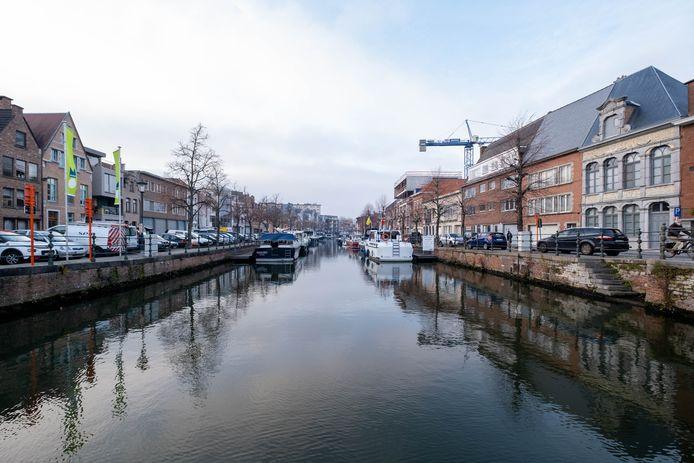 Een van de nieuwe investeringen: de opwaardering van de straten langs de Binnendijle. Er wordt vergeleken met de Zandpoortvest.
