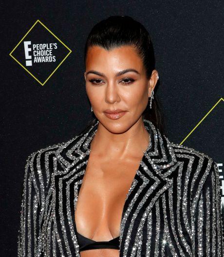 Kourtney Kardashian bevestigt dat ze relatie heeft met Travis Barker