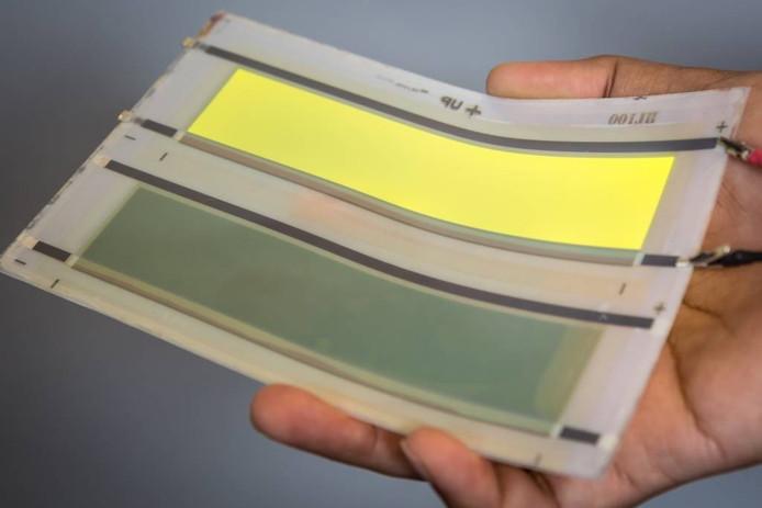 De eerste prototypes van Oled vlakverlichting waarbij de nieuwe keramische folie van het Amerikaanse ENRG werd gebruikt.
