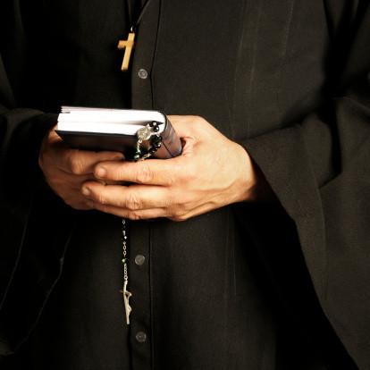 De pastoor werd voor 56.000 euro opgelicht