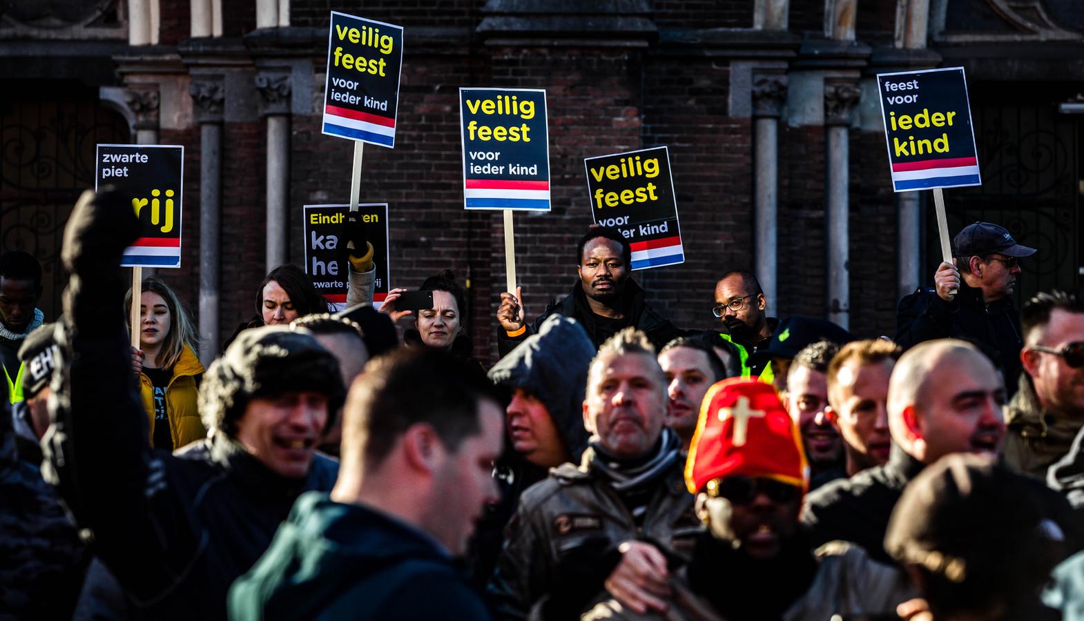 Demonstratie van KOZP vorig jaar tijdens de intocht van Sinterklaas in Eindhoven.