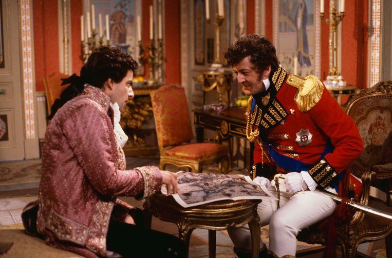 Met Rowan Atkinson in een aflevering van de sitcom 'Blackadder the Third', 1987.    Beeld Getty Images
