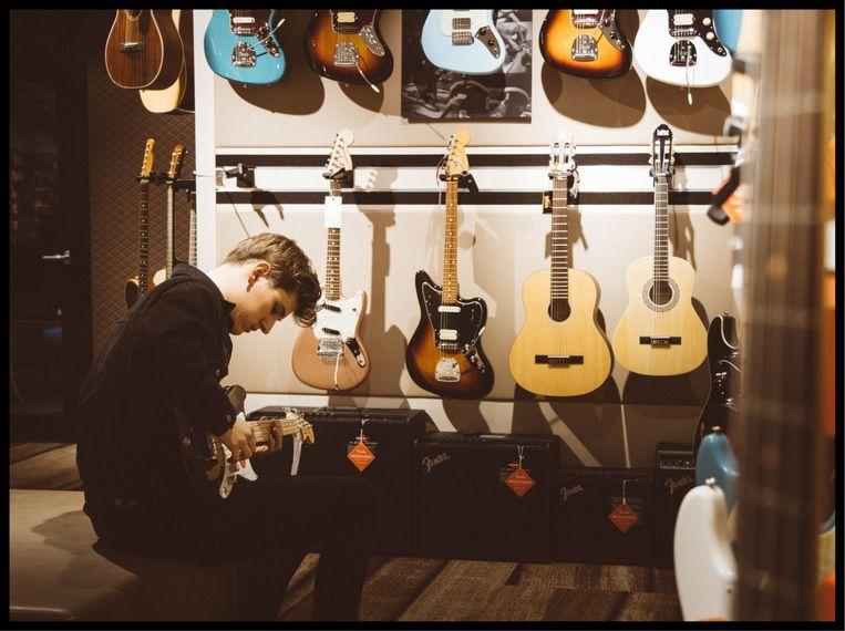 Gitarist Kobe Lijnen Beeld Michelle Geerardyn