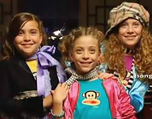 De zusjes in 2007.