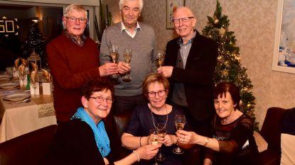 Vriendengroep viert al 50 keer samen oudejaar