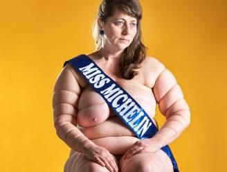 Kunstfotografe Sylvia Konior scoort met zelfportret als 'Miss Michelin'