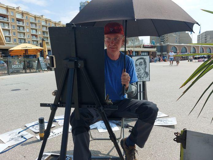 Darek (59) is in de zomer op de boulevard in Scheveningen te vinden. Daar maakt hij karikatuurtekeningen van bezoekers.