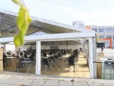 Examens tijdens corona: in een tent op het schoolplein of in de kerk