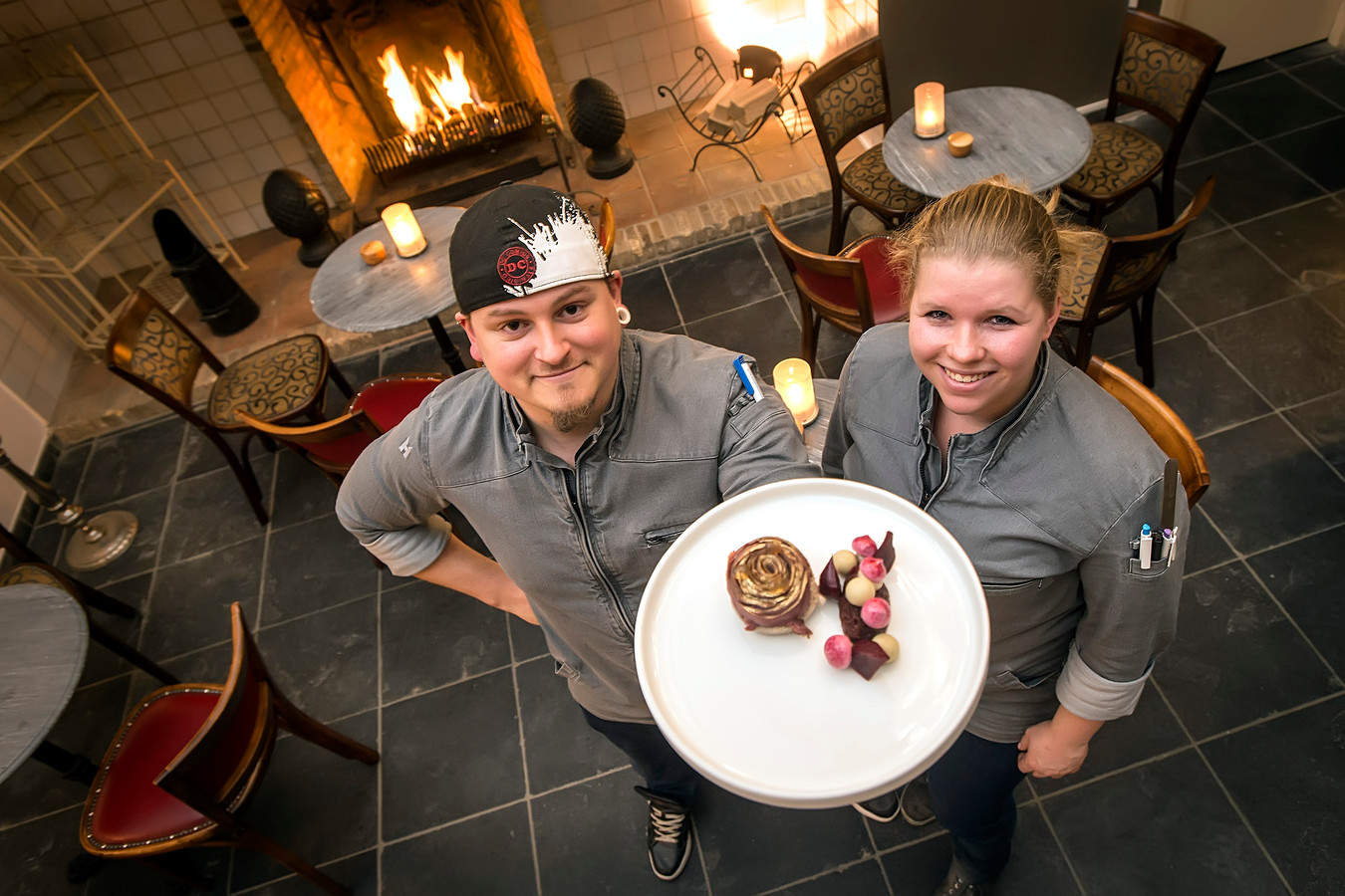 Timothy Ravelli en Sanne Fikke zwaaien de scepter over de keuken.