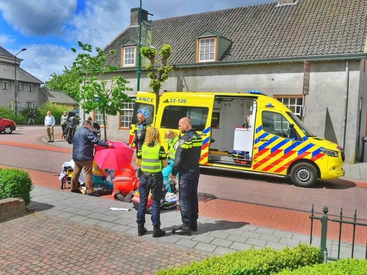 Fietser zwaargewond door ongeluk met auto en caravan