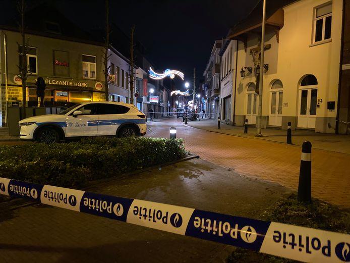 De politie van Lier is een onderzoek opgestart samen met het parket naar een schietpartij in Lier. Maandag werd een vrouw (64) dood aangetroffen in een stomerij langs de Kartuizersvest.
