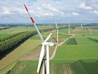 """Bouw 9 windmolens langs N49 bijna klaar: """"Samen produceren ze genoeg elektriciteit voor 18.000 gezinnen"""""""