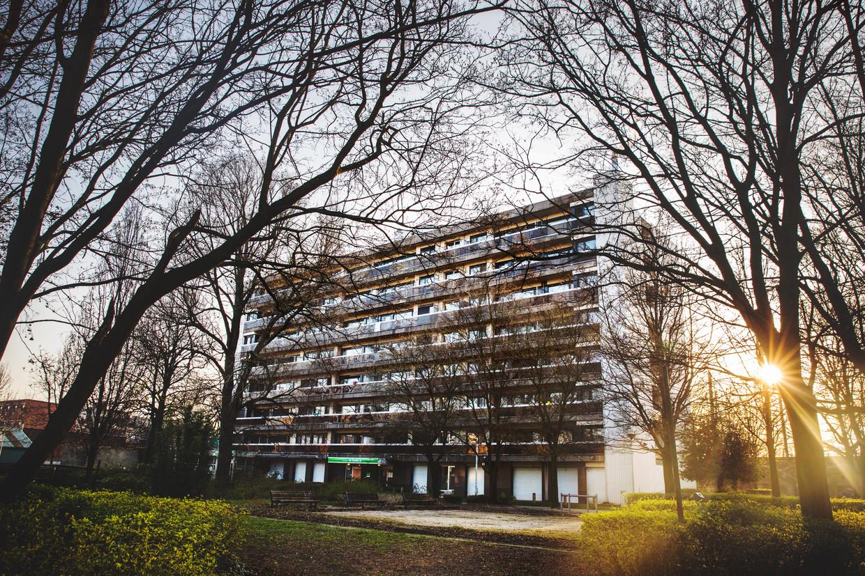 Dienstencentrum De Fontein in Borgerhout. Op de verdieping van de vrienden is Marie-José Vandenplas de enige van het clubje die nog leeft.  Beeld Aurélie Geurts