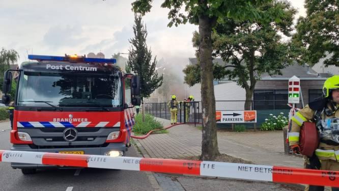 Brand breekt uit bij Nijmeegse kerk, rook zichtbaar in omgeving