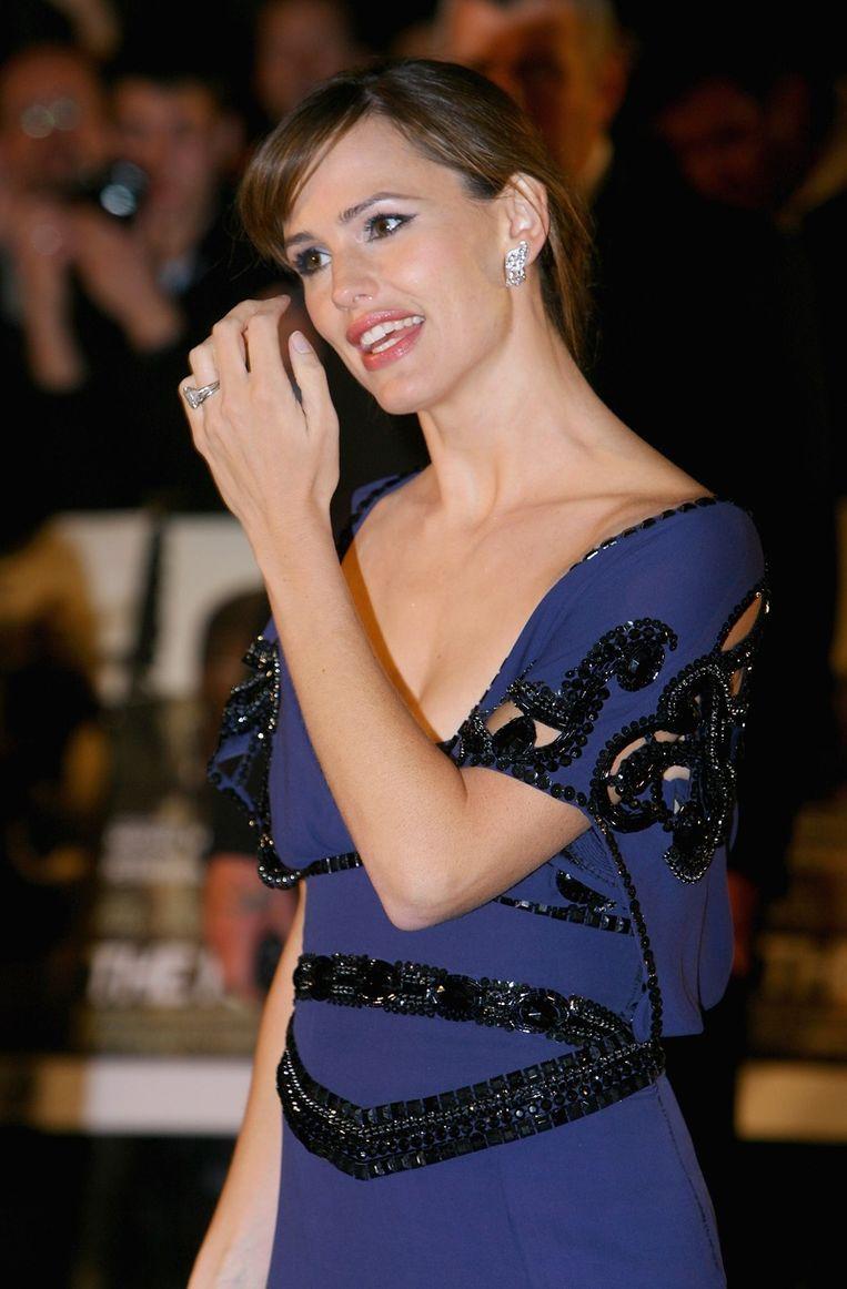 De ring van Jennifer Garner was meer dan de helft goedkoper dan de ring die manlief voor ex Jennifer Lopez kocht.