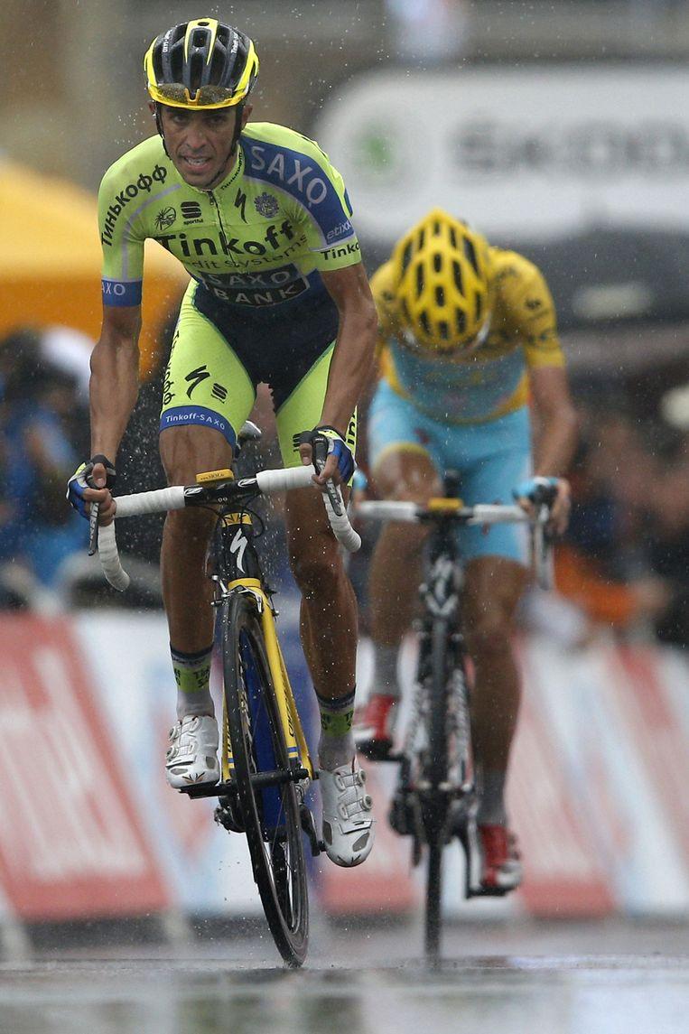 Contador smeerde Nibali nog een handvol seconden aan op de slotklim. Beeld AP