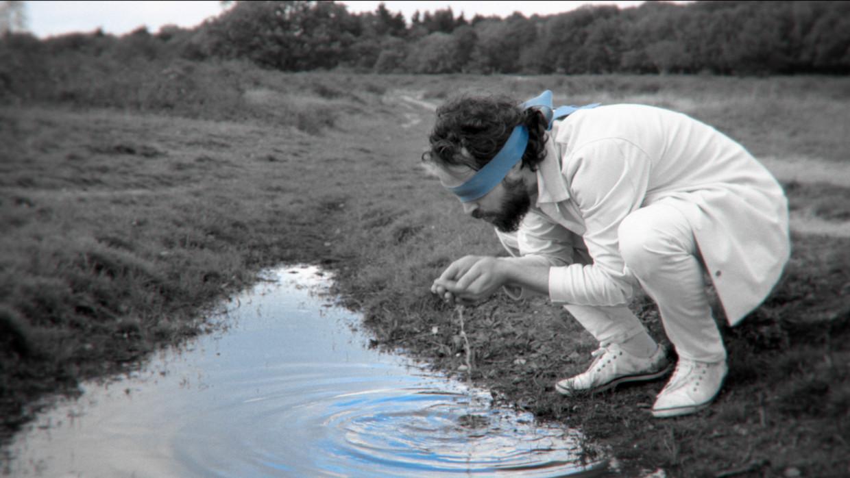Jasper Erkens in de clip van 'Guilt Trippin'' Beeld Jasper Erkens