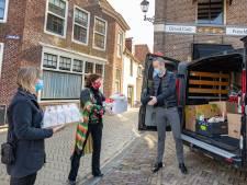 Blokzijligers doneren gul voor Paasbusactie van Prins Mauritshuis voor Voedselbank Steenwijkerland
