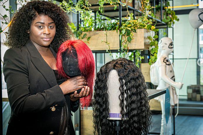 Adelia Kodia, een van de starters, richtte onlangs haar eigen pruikenzaak op.