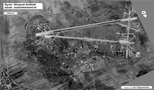 Archieffoto van de Syrische luchtmachtbasis Shayrat, geleverd door het Amerikaans leger.