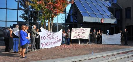 Woede om hek én gemeentebeleid op woonwagenkamp in Best