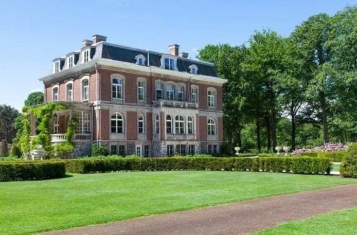 Het park van Kasteel Heihuyzen in Oostmalle wordt voor het eerst opengesteld voor het grote publiek tijdens een tuinbeurs