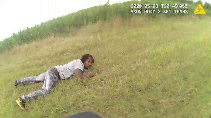 De arrestatie van automobilist Antonio Harris, op 23 mei 2021,  verliep in werkelijkheid heel anders dan de betrokken agenten in hun rapporten beschreven. Ze probeerden het bestaan van bodycam-beelden te verhullen, blijkt.  