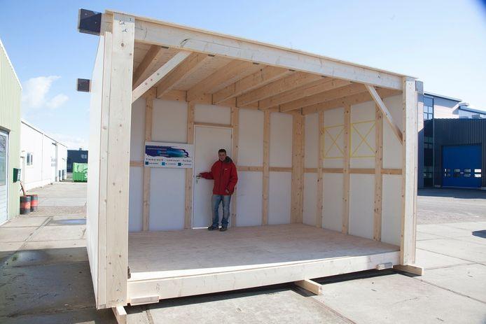 De cabines die dienst kunnen doen als kantoor of kamer. foto Mark Neelemans