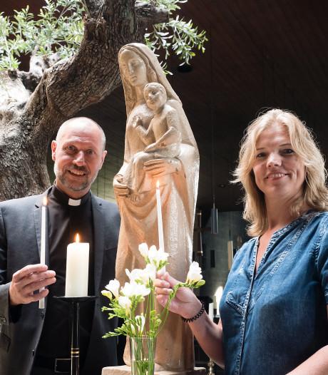 Pastoor met ruim tweehonderd parochianen op reis naar Lourdes
