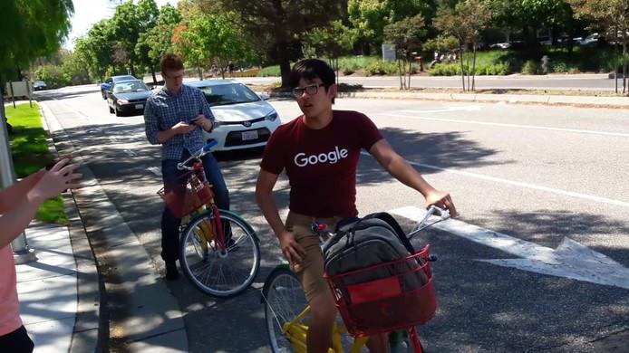 Google-personeel op de campus in hoofdkwartier Mountain View
