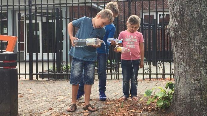De kinderen willen niet alleen maar drinkwater op school