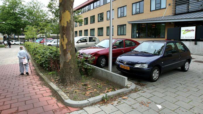 Bij verzorgings- en verpleeghuis De Pleinen in de Edese wijk Veldhuizen is bezoek niet meer welkom.