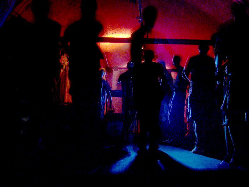 Op het feestje in Rheezerveen werden door de politie de nodige boetes uitgedeeld. Foto ter illustratie.