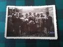 De eerste klas van de RK Jongensschool in Vlissingen in 1944. De kleinste blonde vooraan is Frans Bukkens.