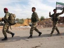 Les forces kurdes résistent aux soldats turcs, les civils contraints de fuir