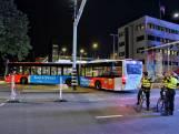 Bus rijdt zich klem en blokkeert parkeergarage bij Kermis Tilburg