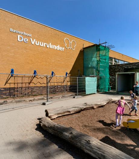 Hekken rond basisschool De Vuurvlinder in Eindhoven voor veiligheid