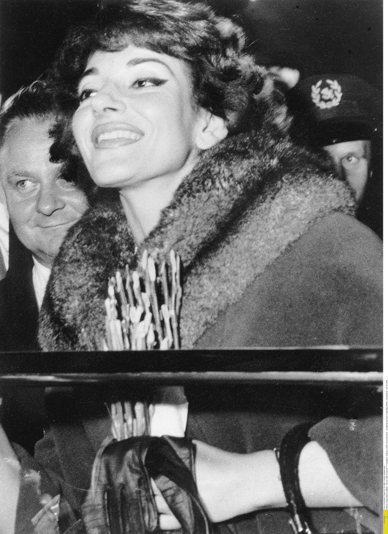Callas in 1959 op vliegveld Tempelhof in Berlijn. Beeld RV